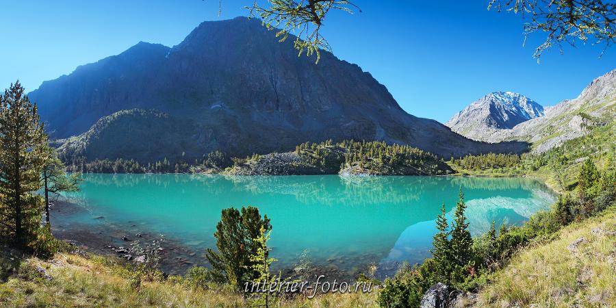 Панорама горного озера