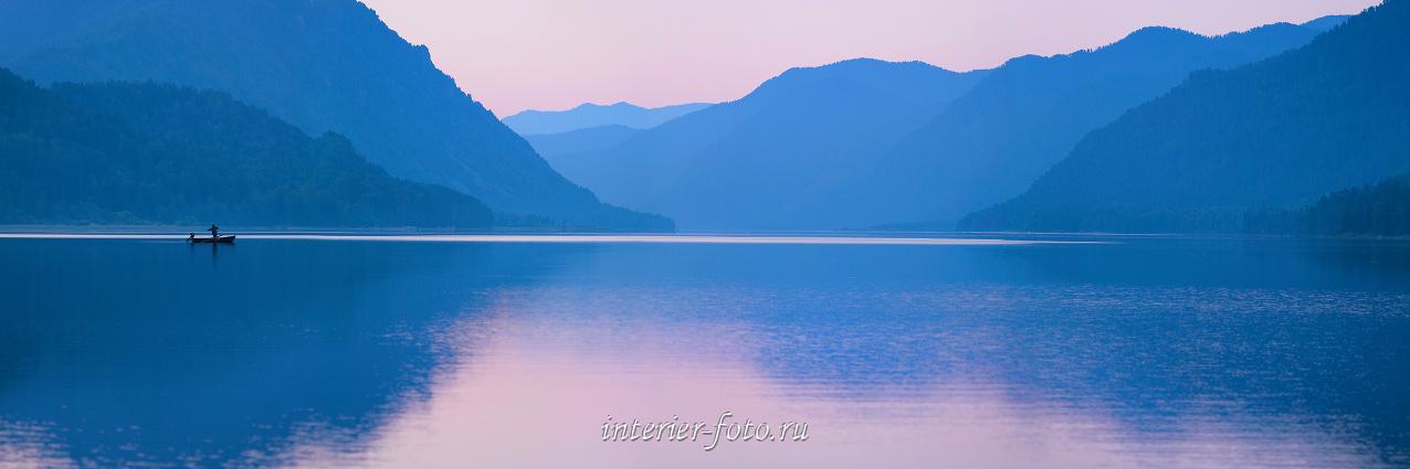 Пейзаж рассвет на Телецком озере