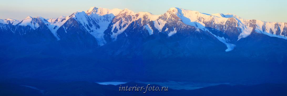 Снежные горы Северо-Чуйский хребет