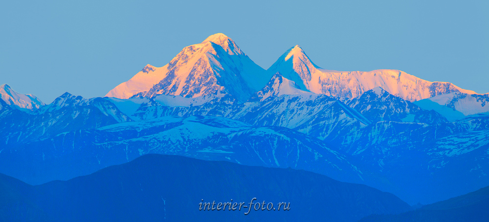 Живописные горы Белуха